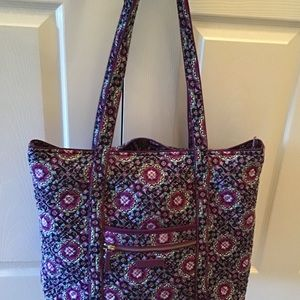 New condition Vera Bradley large iconic tote bag!